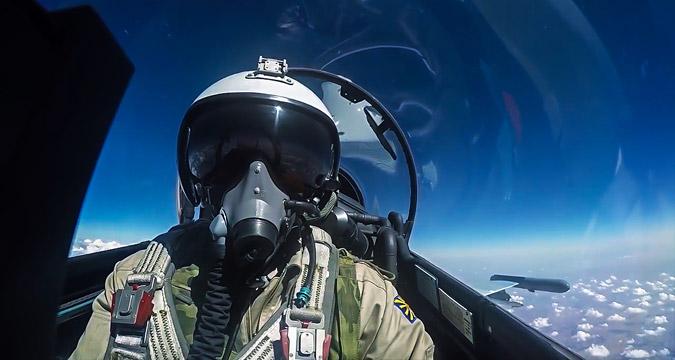 Miembro de las tropas aeroespaciales de Rusia durante una misión de combate en Siria.