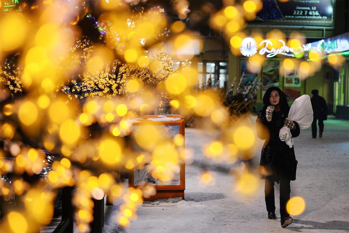 シベリアはどうなっているだろう? ノヴォシビルスクでも新年の祝賀の準備が万端だ。