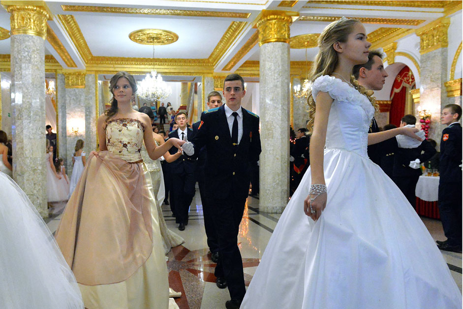 Participants of the New Year ball with girls from the Elena Morozova Krasnodar Institute for Noble Maidens at the Krasnodar Presidential Military Cadet School.