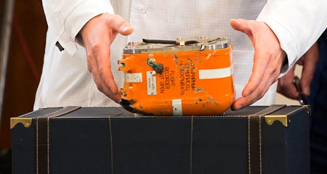Treze dos 16 microchips foram praticamente destruídos, e os três restantes, danificados