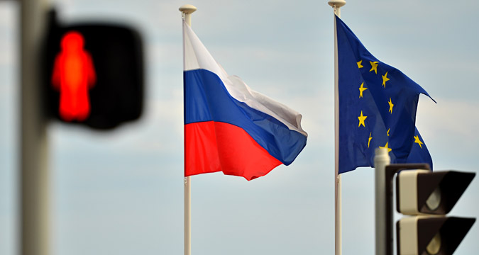 The European Union has automatically extended sanctions against Russia until July 31, 2016.