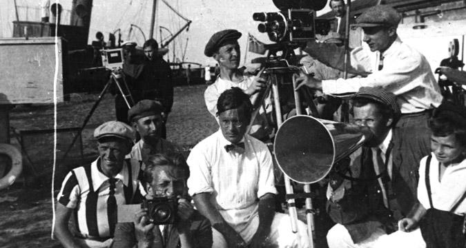 """Sergej Eizenshtejn (1898 - 1948) durante le riprese del film """"La corazzata Potemkin""""."""