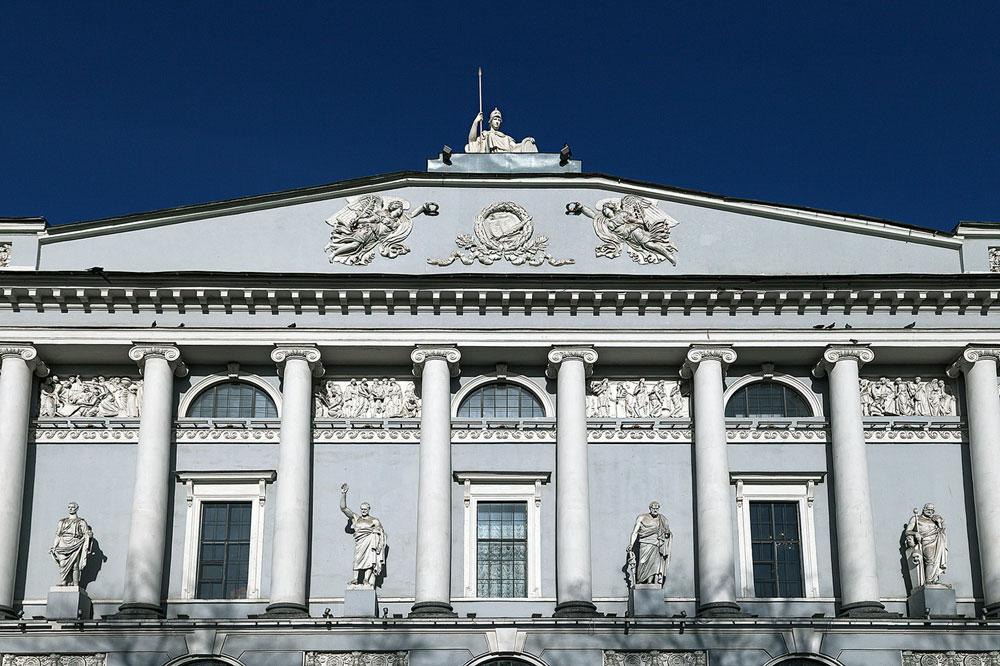 Роси је учествовао и у пројектовању Руске националне библиотеке чију је изградњу наложила још Катарина Велика.