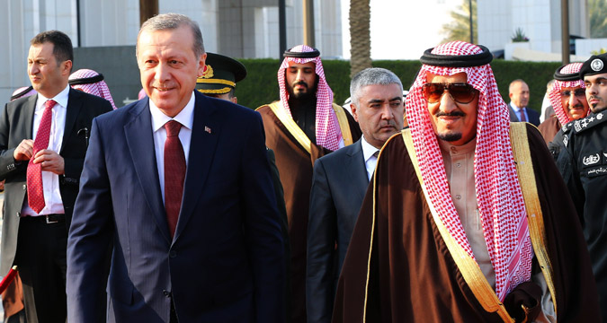 Turkish President Recep Tayyip Erdogan (left) and Saudi King Salman bin Abdulaziz Al Saud (right) attend an official welcome ceremony prior to their meeting at Al Yamama Palace in Riyadh, Saudi Arabia, on Dec. 29, 2015.