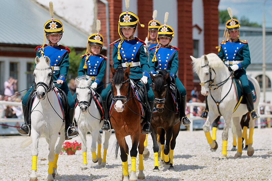 Kremlin school of horseback riding takes part in Russia Day celebrations in VDNKh (the All-Russia Exhibition Center)