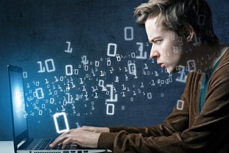 """Според думите на разработчиците """"Щит"""" може да се противопостави на което и да е деструктивно въздействие, включително и на превземане на управлението, подмяна на командите, вируси и много други. Тази особеност привлече вниманието на едрите чуждестранни предприятия, разположени преди всичко в страните от БРИКС."""