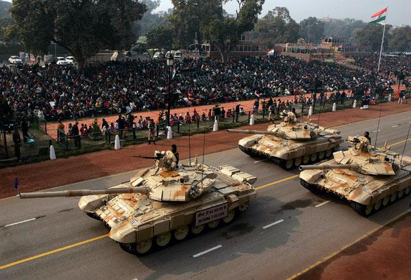 India mempersenjatai 21 batalion tank (resimen di India) dengan T-90.