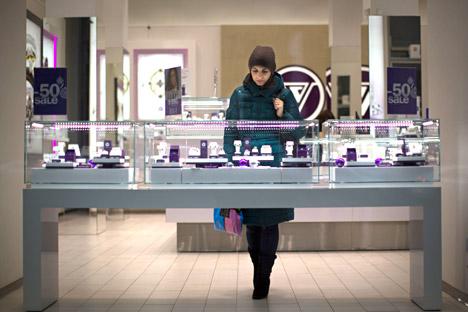 Les Russes économisent pratiquement sur tout et leur pessimisme a déjà coûté aux propriétaires des centres commerciaux jusqu'à 30% de leurs revenus à l'issue de l'année 2015.