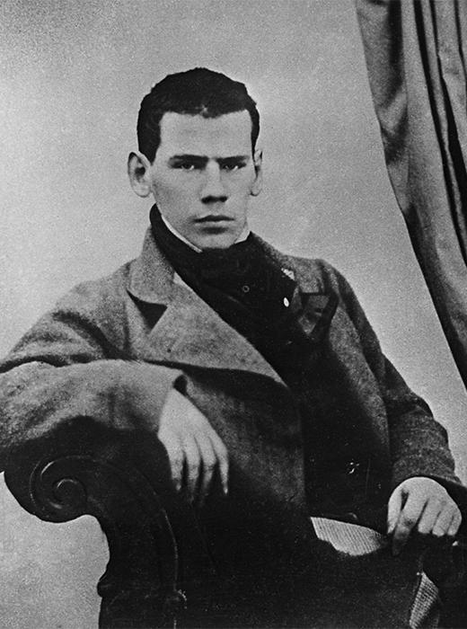 """Ogni anno il 25 gennaio in Russia si celebra la Giornata dello Studente. Rbth è andata a cercare negli archivi alcuni celebri personaggi russi per vedere com'erano all'epoca degli studi // Lev Tolstoj, genio russo, padre di grandi romanzi come """"Anna Karenina"""" e """"Guerra e Pace"""""""