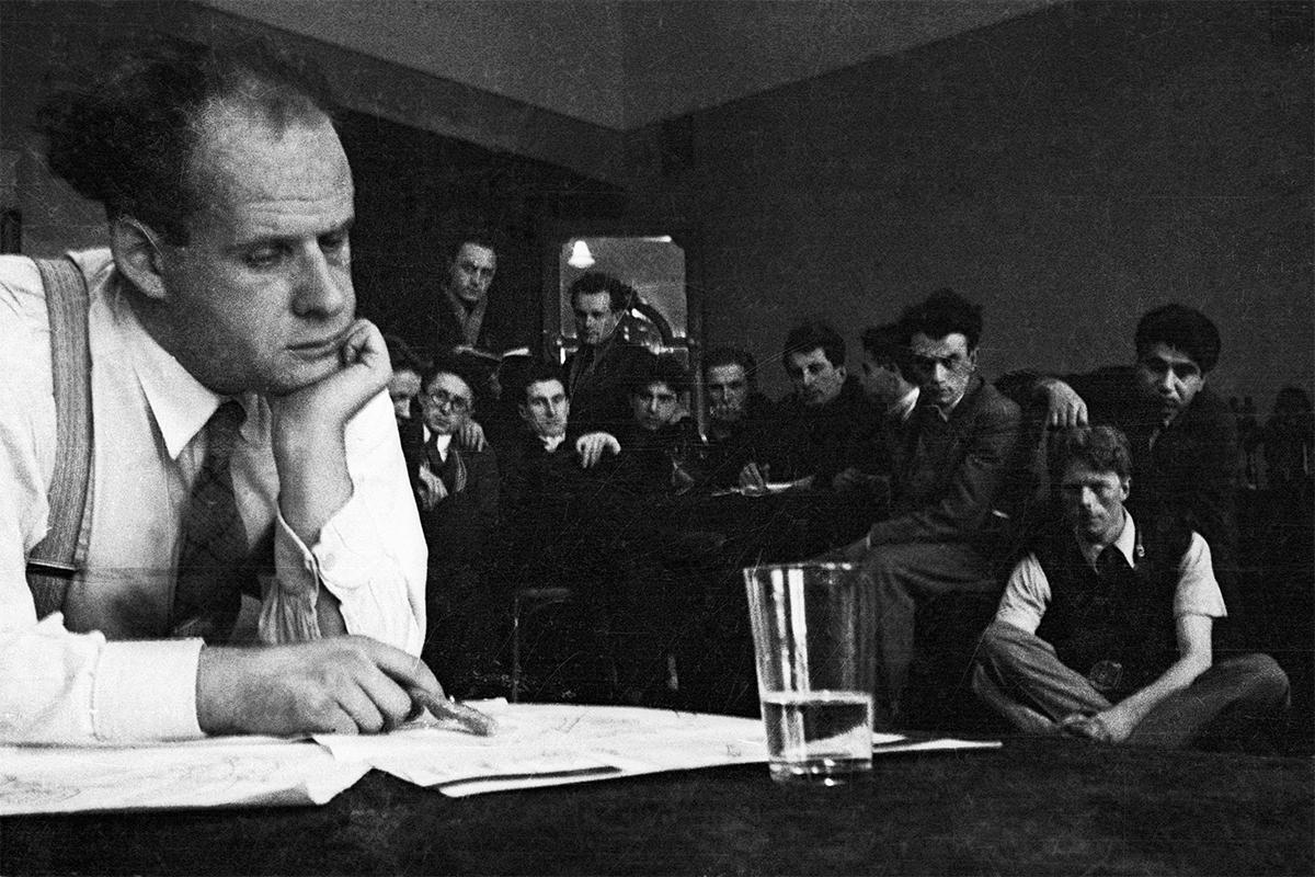 ゲラシモフ映画研究所で講義する、サイレント映画の伝説的な先駆者で、『戦艦ポチョムキン』の監督、セルゲイ・エイゼンシュテイン。