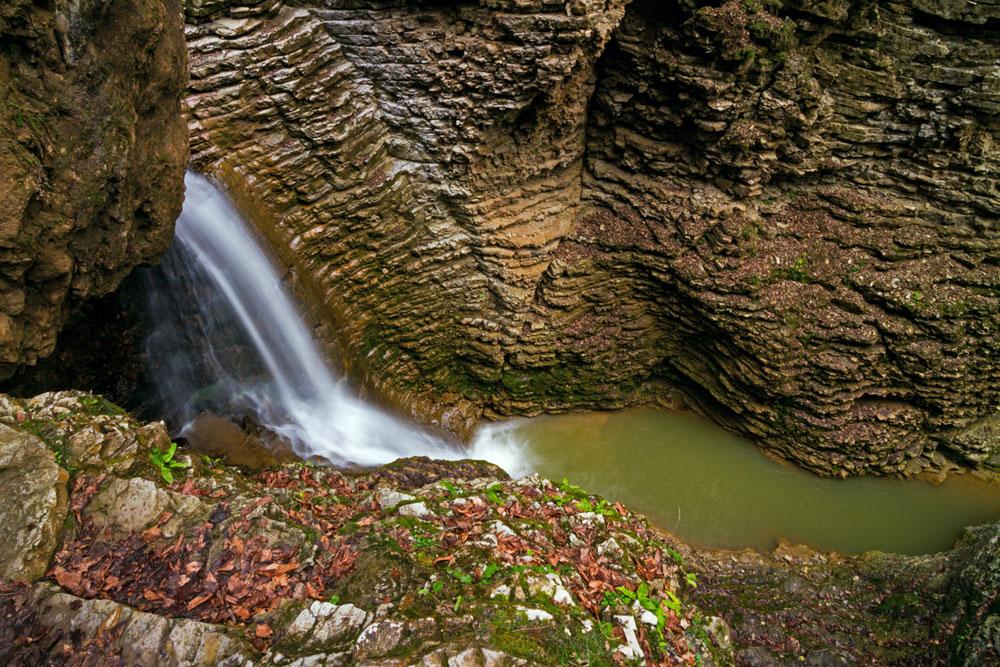 L'apogée du voyage est la chute d'eau du « Cœur du Roufabgo ».