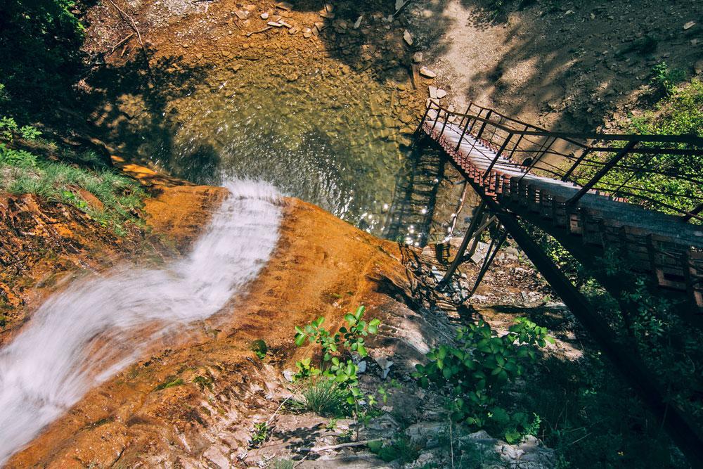 Au nord-ouest du Roufabgo se trouve la chute de Gebious, sur la rivière Techebs. Une fois ici, assurez-vous de ne pas rater la cascade Chnourok (« Lacet »), haute de 17 mètres.