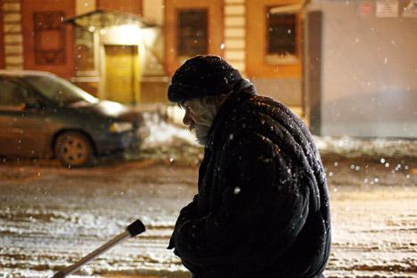 Un sans-abri dans les rues de Moscou.