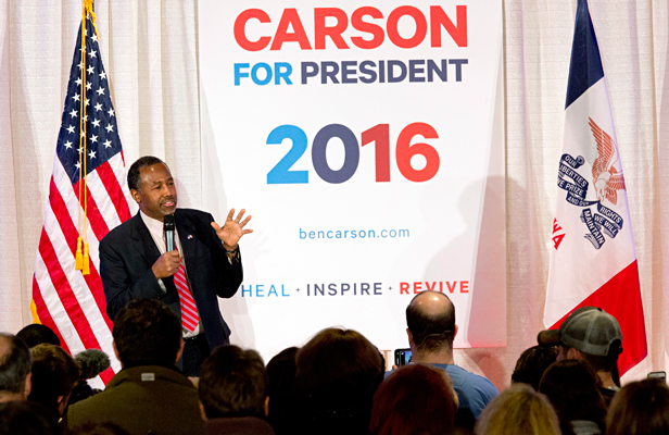 Republican presidential candidate, Ben Carson speaks to supporters at his campaign's caucus night rally, Monday, Feb. 1, 2016, in West Des Moines, Iowa. Foto: AP