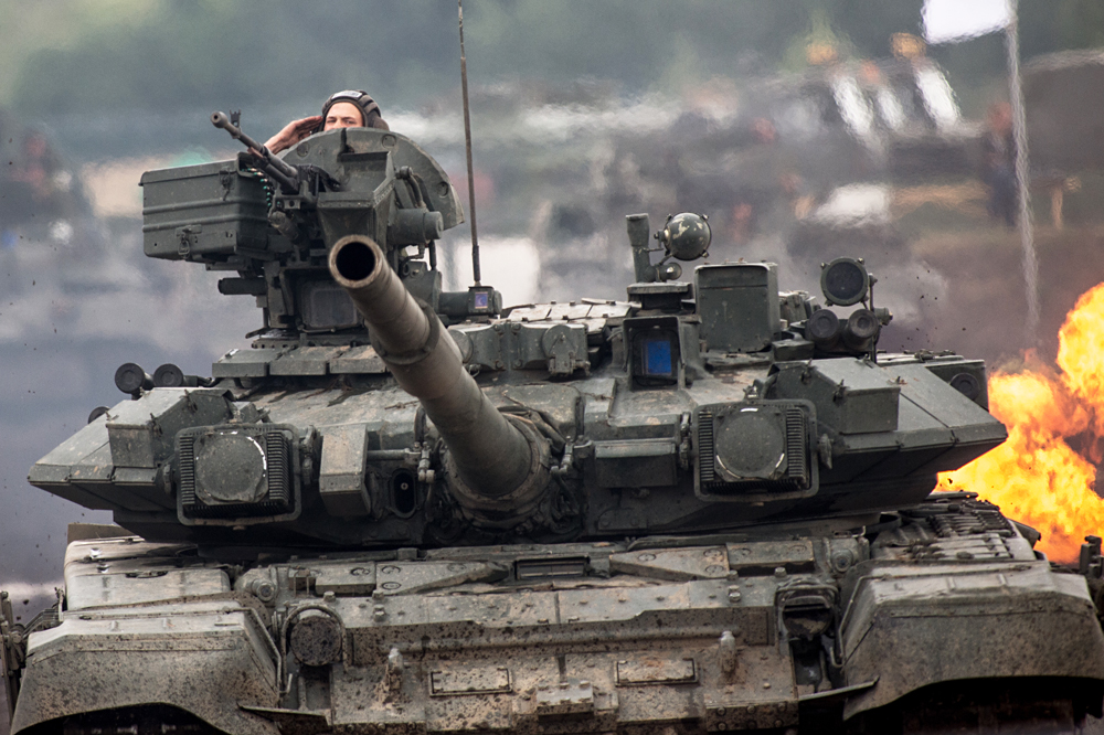 A T-90 tank participates in the specialized military equipment show during the Engineering Technologies 2014 international forum in Zhukovsky near Moscow.