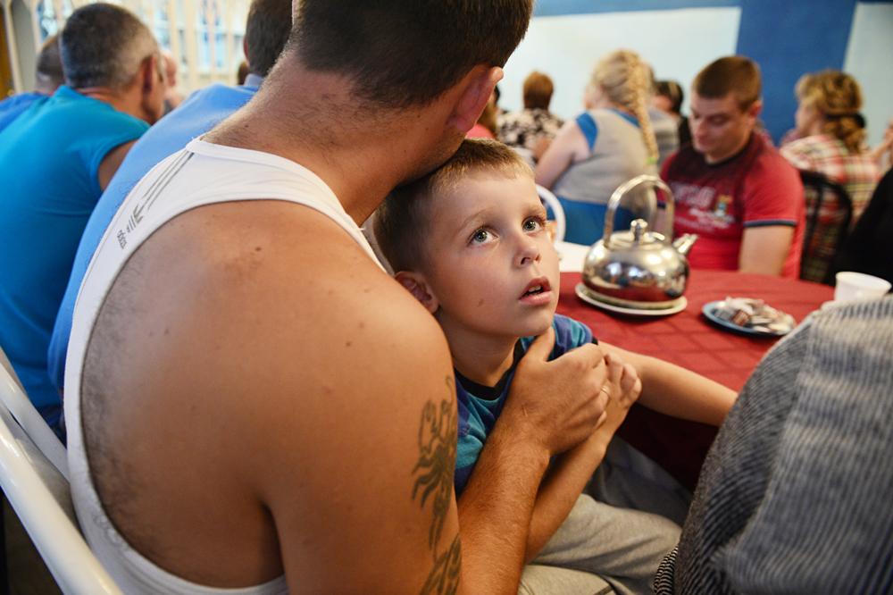 Des réfugiés ukrainiens dans une centre d'accueil de Novossibirsk.