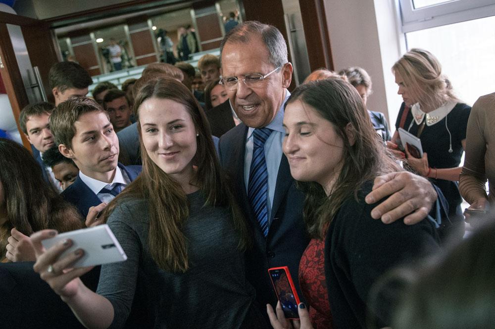 Sergej Lavrov sa studentima Moskovskog državnog sveučilišta međunarodnih odnosa.