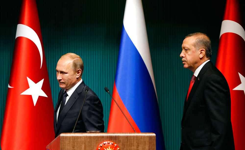 Russia's President Vladimir Putin (L) and Turkey's President Tayyip Erdogan