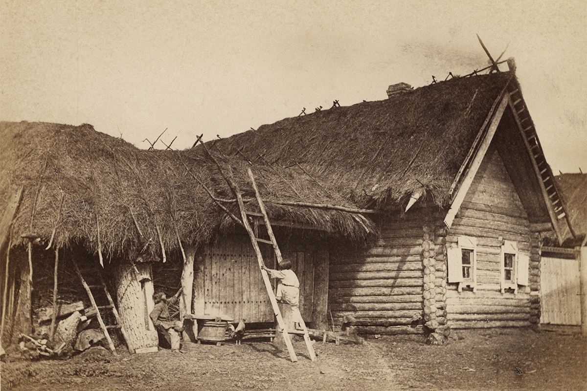 William Carrick's photographs of 'types' and genre scenes became famous. In 1862 the heir to the throne, Grand Duke Nikolai Alexandrovich, viewed the collection and presented the photographer with a diamond ring. The series was displayed at exhibitions across Russia, France and Britain to great acclaim and received many prizes. / Medino village, 1871-1878.