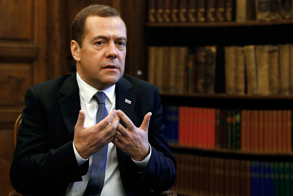 Russian Prime Minister Dmitry Medvedev: If Russia stops supplying weapons to Armenia and Azerbaijan, other countries would occupy Russia's place.