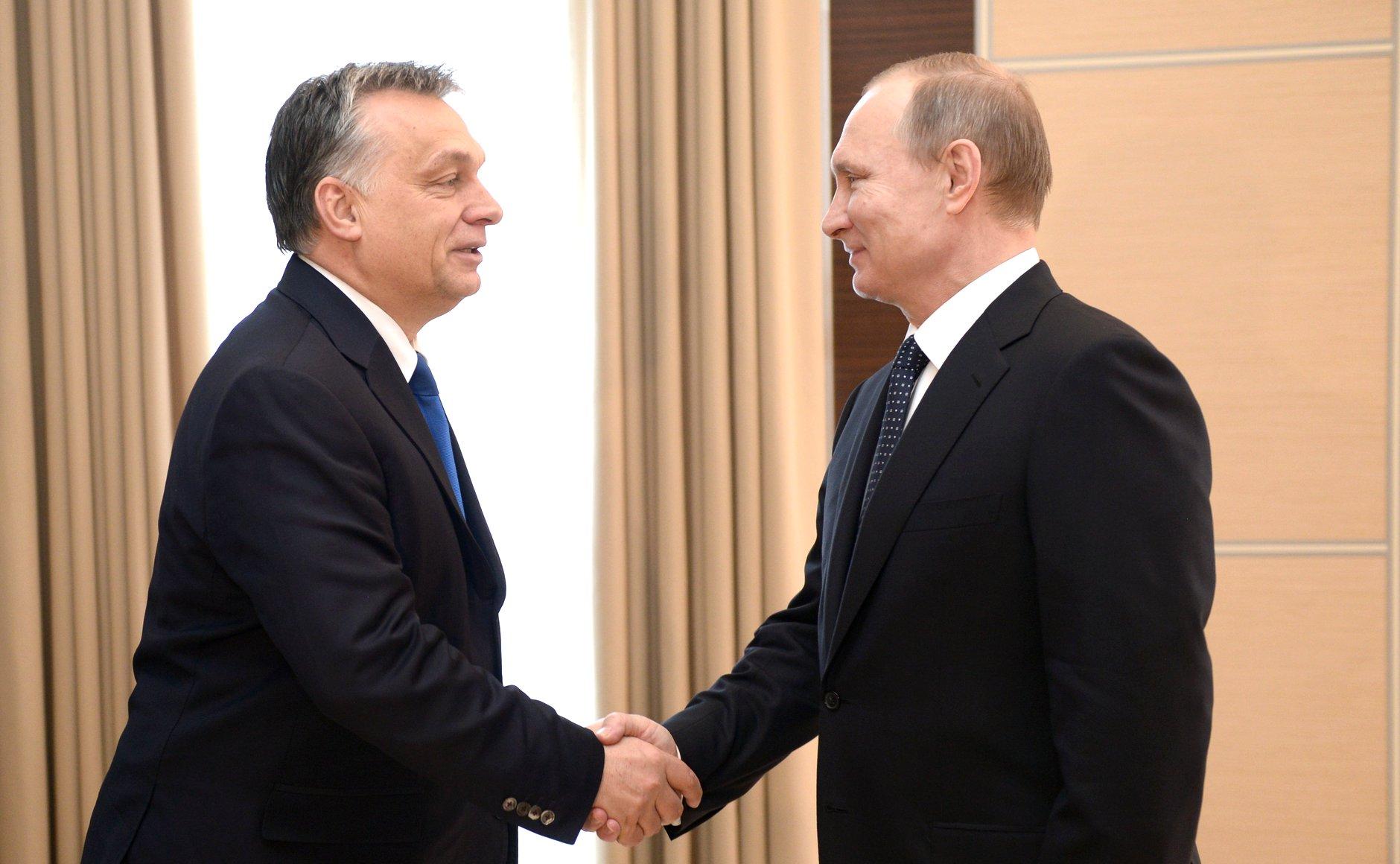 Perdana Menteri Hungaria Viktor Orbán (kiri) dan Presiden Rusia Vladimir Putin.