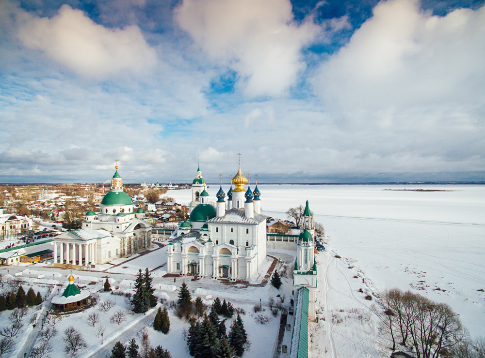 YAROSLAVL REGION, RUSSIA.   A view of the Spaso-Yakovlevsky Monastery in the town of Rostov.