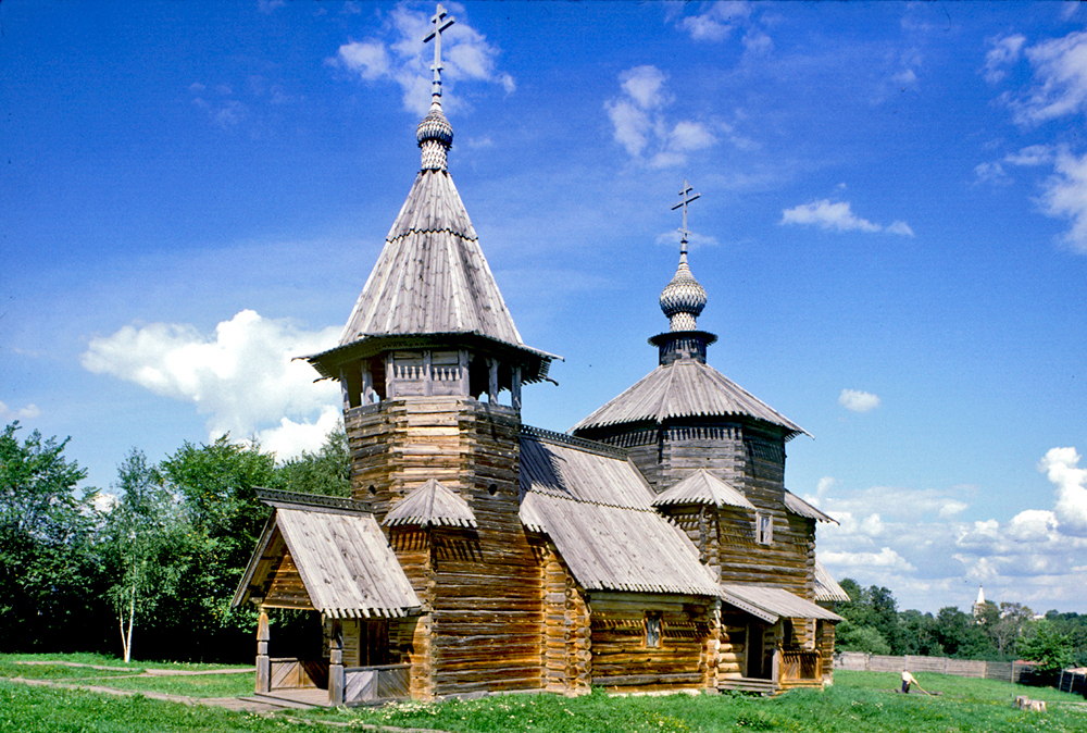 Suzdal's outdoor museum: Preserving the traditions of wooden architecture