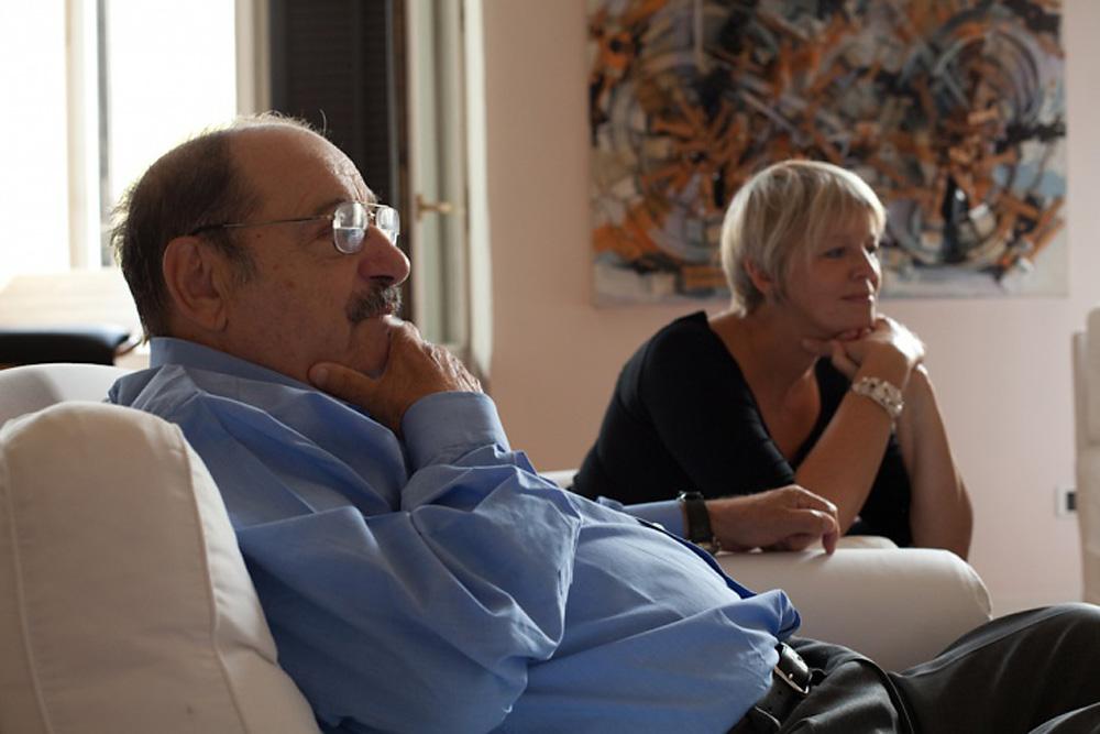 Umberto Eco insieme a Elena Kostioukovitch. Fonte: Archivio personale