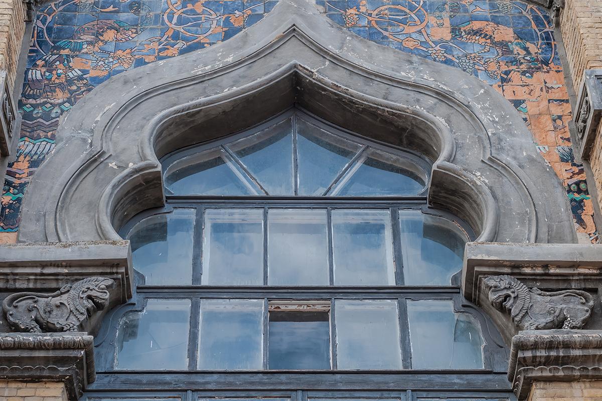 ムーア様式のこの建物が建てられたのは1904年のことだ。 当時、2つの大型水泳プールと24の温泉浴場があった。