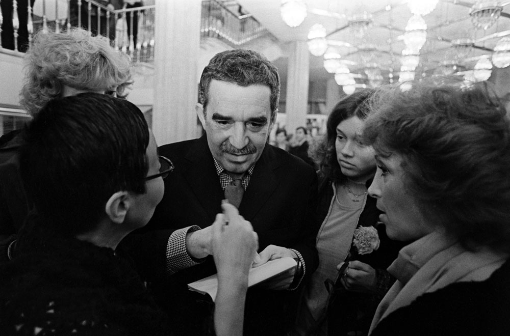 Colombian writer and journalist Gabriel Garcia Marquez signing autographs. Moscow.