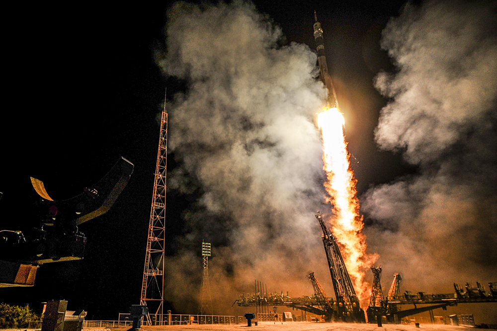 The launch of the Soyuz ТМА-14 rocket, Baikonur Cosmodrome.