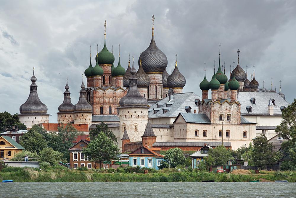 Una veduta di Rostov Velikij