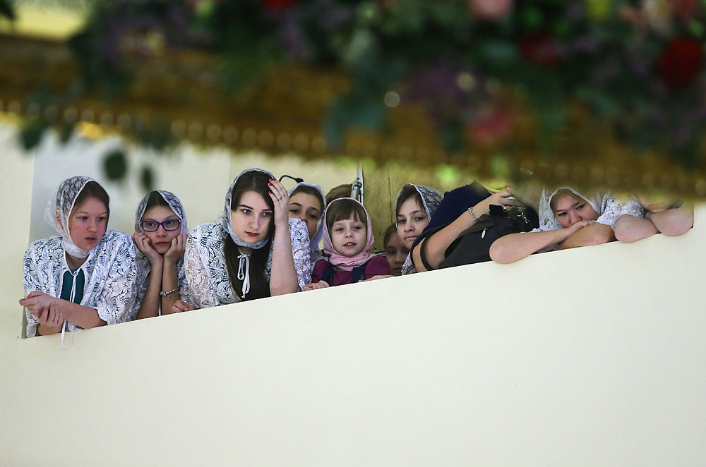 Orthodox believers during the consecration of the Alexander Nevsky Church of the Russian Foreign Ministry's Moscow State Institute of International Relations.