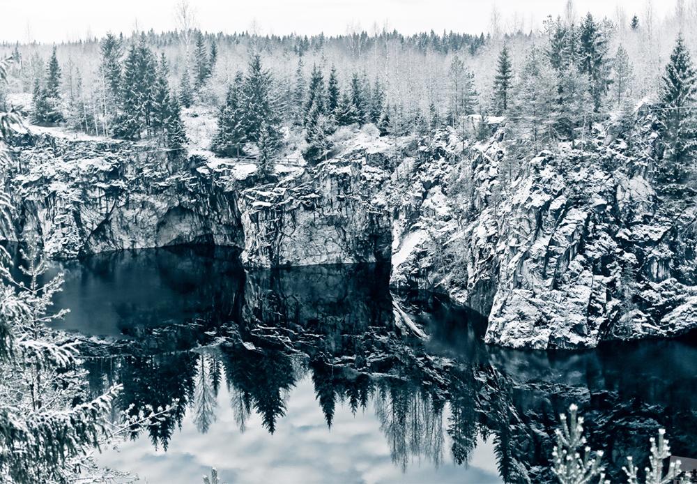 """Планинскиот парк и туристички центар """"Рускеала"""" во Карелија."""