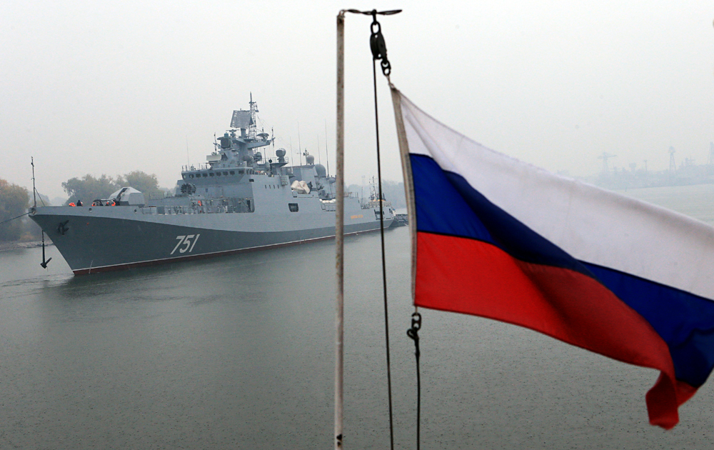 The Khabarovsk Shipyard has already received all required documents to build two floating jetties for submarines.