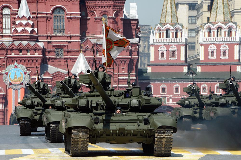 Tanques T-90 A durante el desfile de la Victoria en la Segunda Guerra Mundial. Foto:
