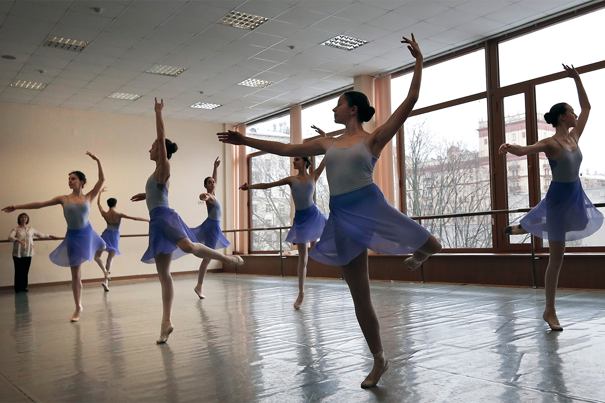 The harsh curriculum (which consists of a full school load, plus daily ballet practice, as well as special subjects such as the history of ballet and piano lessons) leaves no time for the kids to be kids.