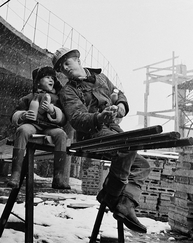 Lunch break on a high-rise construction project, 1964.