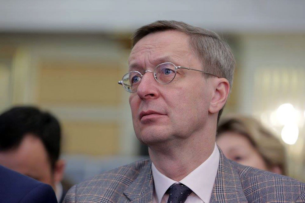 Der scheidende AHK-Chef über Brücken in Politik und Wirtschaft.