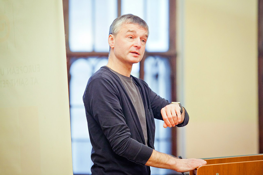 Dmitry Tsilikin.