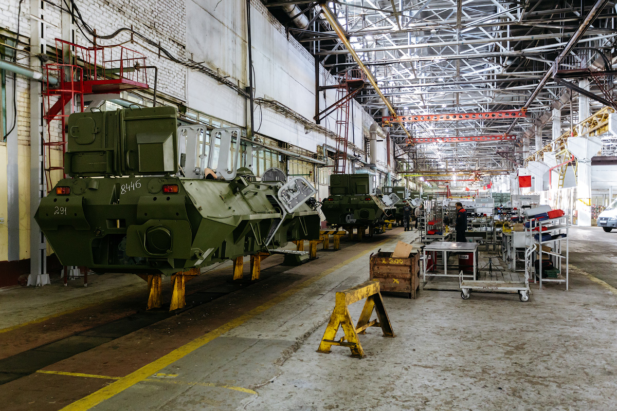 The assembly line can accommodate 21 vehicles simultaneously, each gradually undergoing all stages of construction. One BTR machine takes 5 working days to completely assemble.
