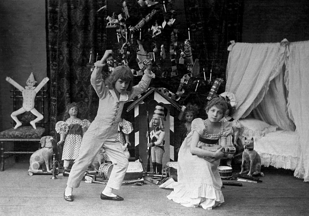 Scene from The Nutcracker ballet by Peter Tchaikovsky, St. Petersburg Theater, 1892. / Source: RIA Novosti