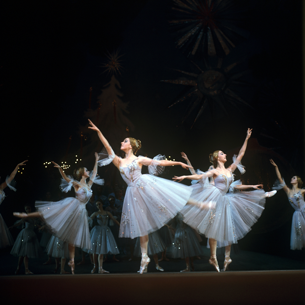 A scene from The Nutcracker staged at the State Academic Bolshoi Theater of the USSR. / Source: S.Solovjev/RIA Novosti
