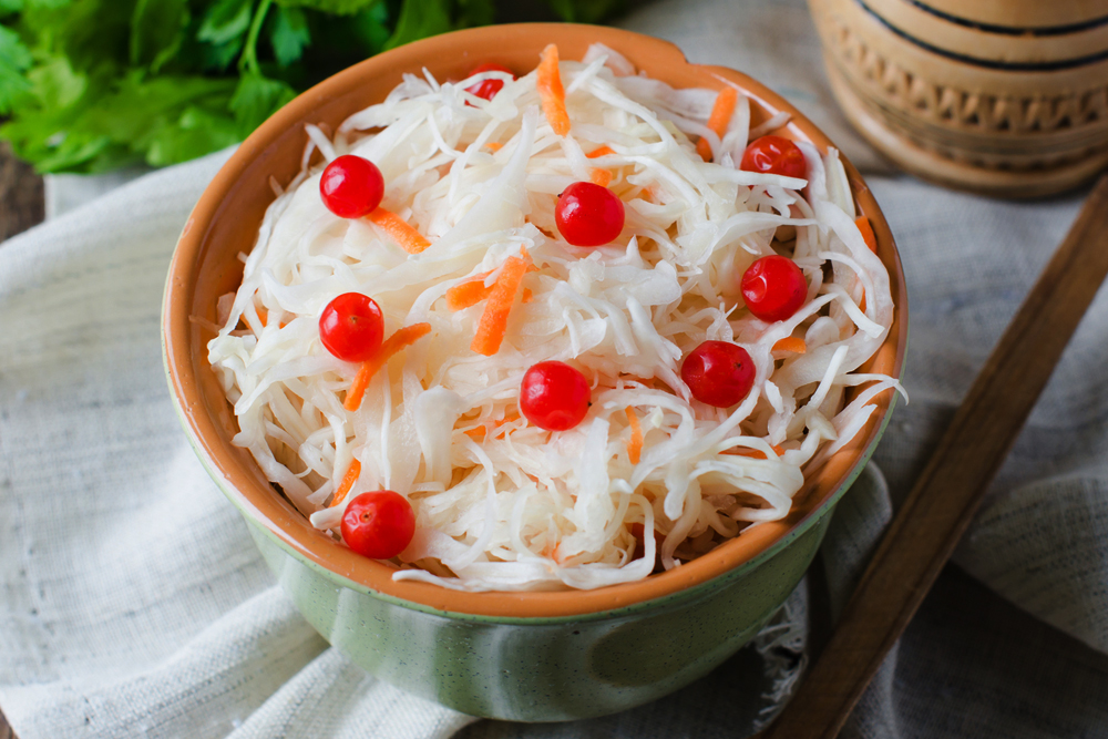 Sauerkraut: a delicious snack with innumerable healthy benefits.