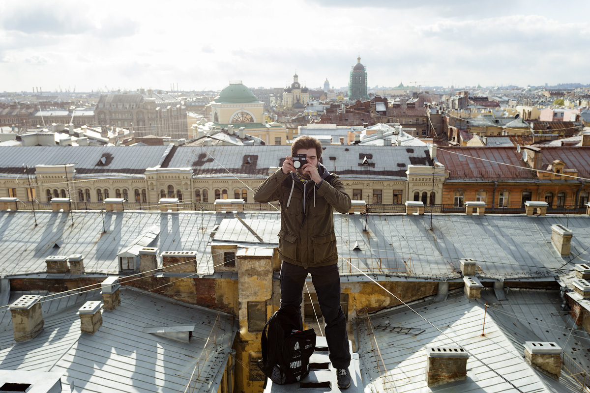 'Roofing' is a popular way of exploring St. Petersburg. It differs from roofing in other Russian cities.