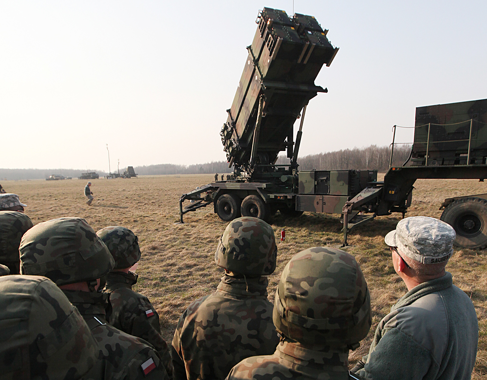 U.S. troops from 5th Battalion of the 7th Air Defense Regiment are seen at a test range in Sochaczew, Poland, March 21, 2015 as part of joint exercise with Poland's troops.