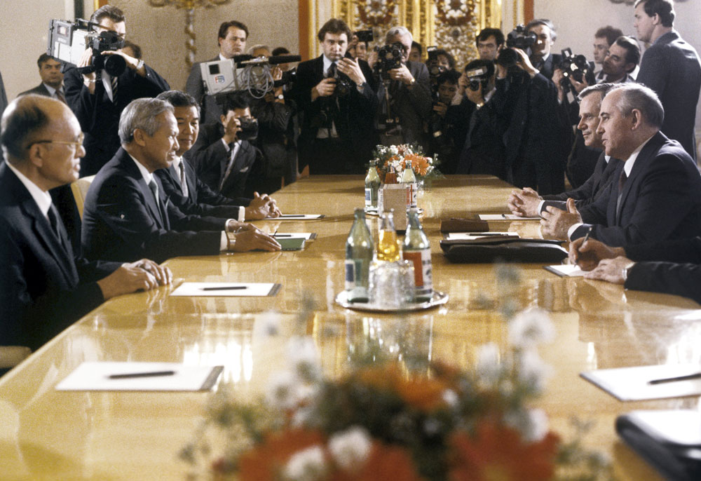 General Secretary of the CPSU Central Committee Mikhail Gorbachev having talks with Prime Minister of Thailand Prem Tinsulanonda in the Kremlin, May 1988