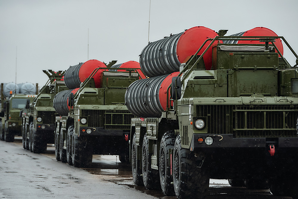 S-400 surface-to-air missile systems of the motorized column of the Western Military District seen here as they practice for the parade marking the 71st anniversary of the victory in the Great Patriotic War.