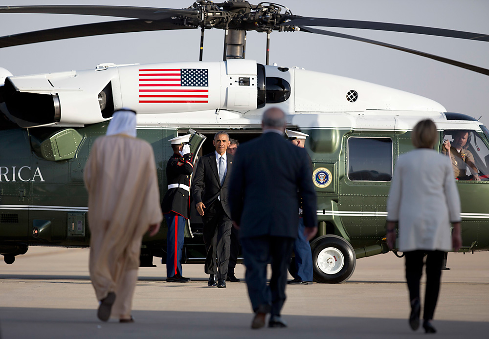 President Barack Obama walks from Marine One to boards Air Force One at King Khalid International Airport in Riyadh, Saudi Arabia, April 21, 2016.