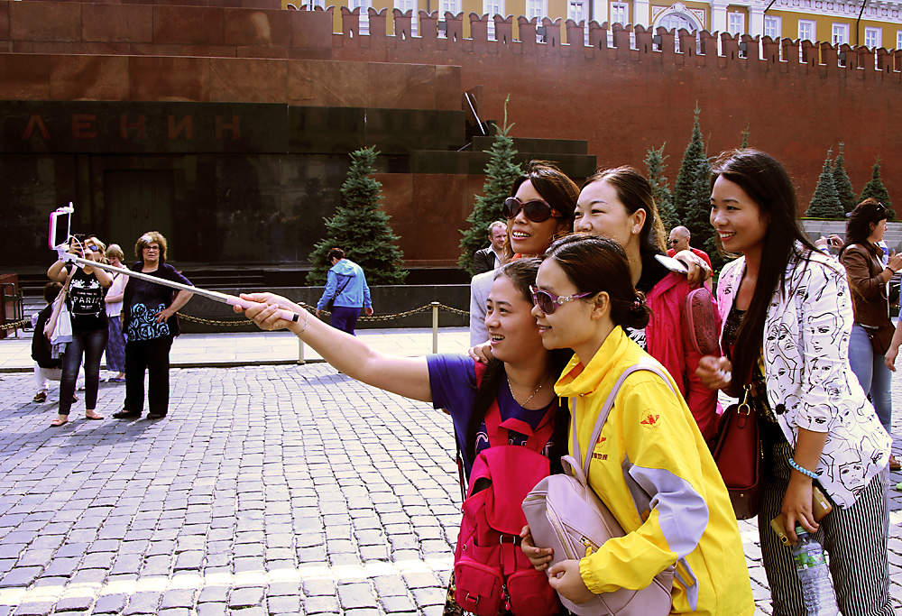 The number of tourists from China who have visited Russia exceeded one million people last year.